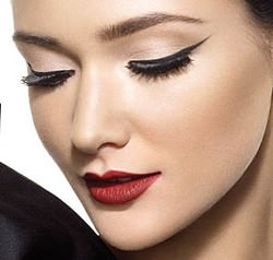 How to Apply Cat Eye Makeup